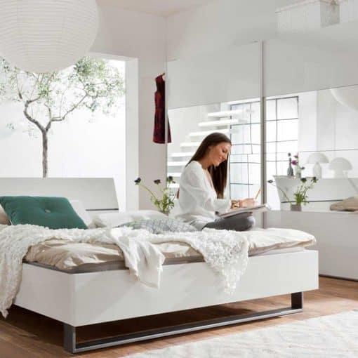 תמונה: מיטה יוקרתית עם ארגז נסתר 2