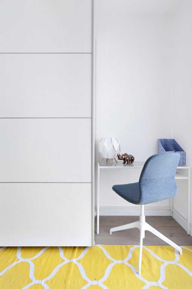 ארון הזזה מדגם ורונה בצבע לבן